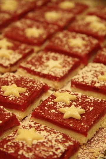 cranberry shortbread star bars